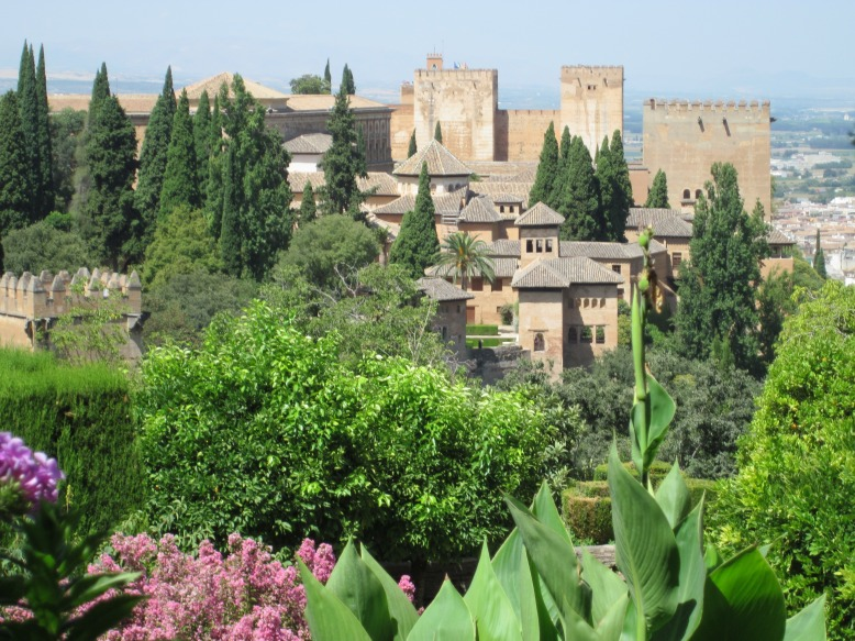 alhambra_granada_building